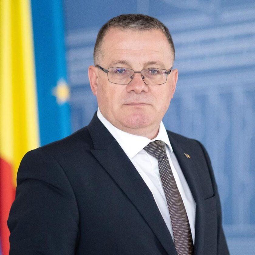 Adrian Oros, ministrul Agriculturii, a fost confirmat cu COVID-19. Anunțul a fost facut pe pagina sa de Facebook; stiri agricole