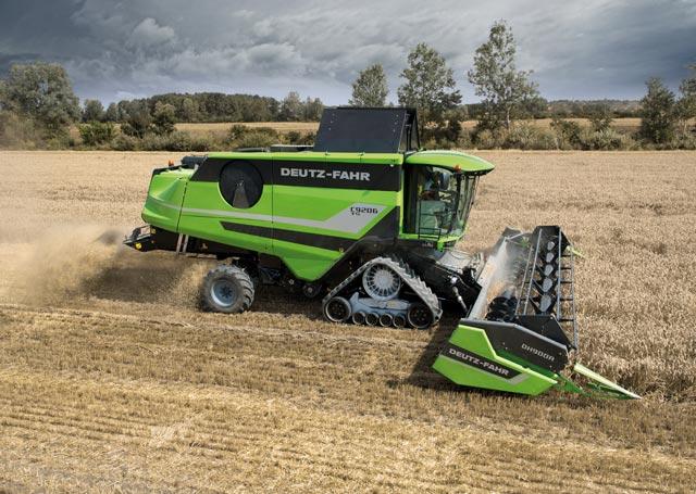 DEUTZ-FAHR Model  C 9206 TS, combine agricole
