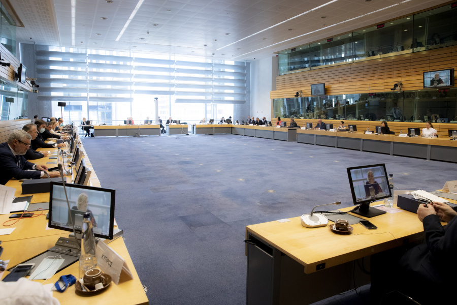 Adrian Oros, ministrul Agriculturii și Dezvoltării Rurale, a participat în 20 iulie 2020, la Bruxelles, la prima reuniune a Consiliului AgriFish
