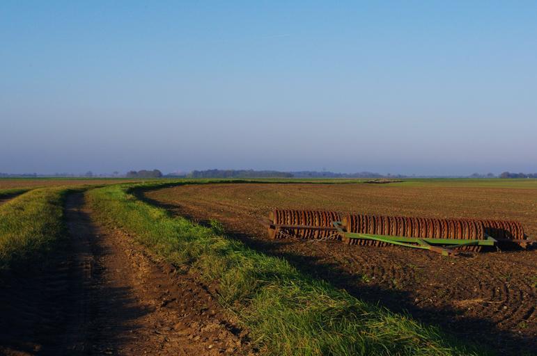 Beneficiarii, condițiile si documentele pentru a obține noua subvenție de 20.000 euro; subvenție de 200 de euro respectiv 100 de euro; stiri agricole