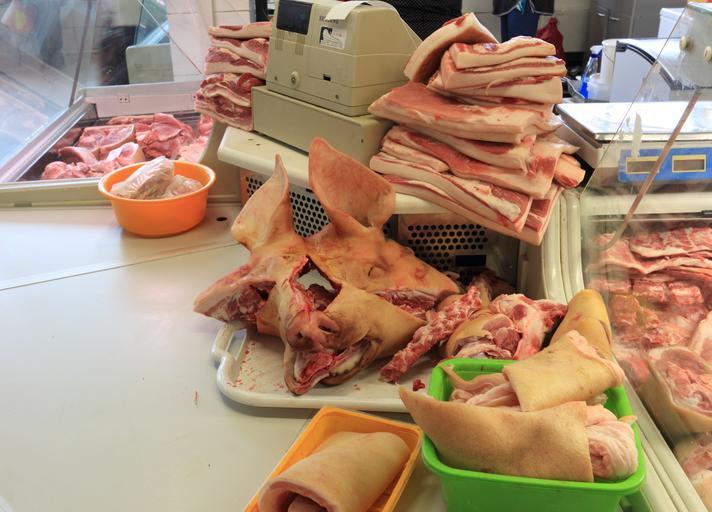 Carnea de porc s-ar putea ieftini din cauza stocurilor uriaşe la nivel european. În Germania, preţul este cu 40% mai mic decât în martie; stiri agricole