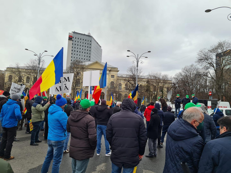 Agricultura României este atacată de cel mai periculos dăunător - ministrul Adrian Nechita Oros. Motiunea simpla dezbătută luni şi votată miercuri. Stiri