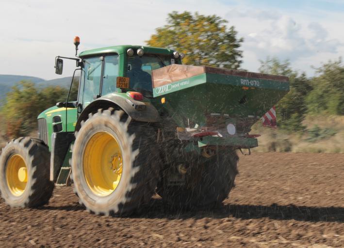 Eficiența utilizării azotului. Mulți fermieri aplică o fertilizare neechilibrată, cu mai mult azot și puțin fosfor (uneori deloc). Stiri agricole