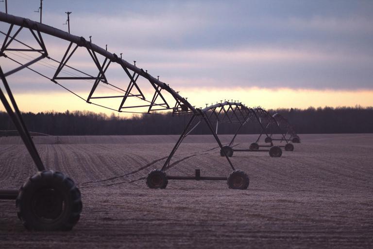 Şanse mici pentru finanţarea sistemelor de irigaţii din programele operaţionale în perioada 2021-2027. PNRR. Stiri agricole