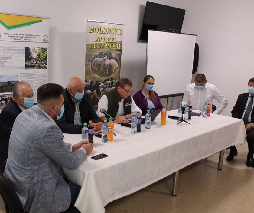 Crescătorii de ovine din Moldova s-au întâlnit la Popăuți. Cei din zootehnie ar trebui sa se bata mai mult pentru fondurile europene. Stiri agricole