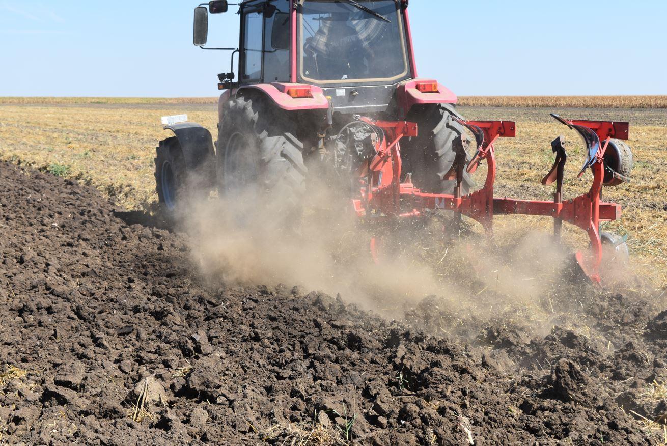 Capcana costurilor - fermierii plătesc prețuri record pentru orice. O avalanșă imensă de costuri îi copleșește pe fermieri. Stiri agricole